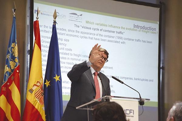 Valenciaport establecerá los fletes con el nuevo índice VCFI en el Mediterráneo