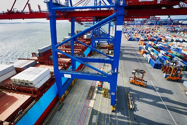 Exportaciones e importaciones españolas incrementan 31% déficit comercial en primer semestre