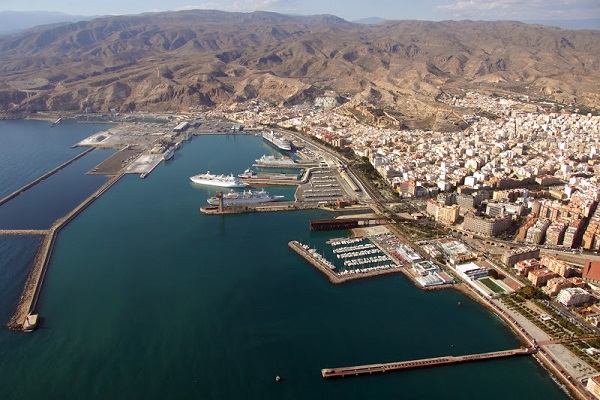 Puerto de Almería sobrepasa los 370.000 pasajeros en la OPE