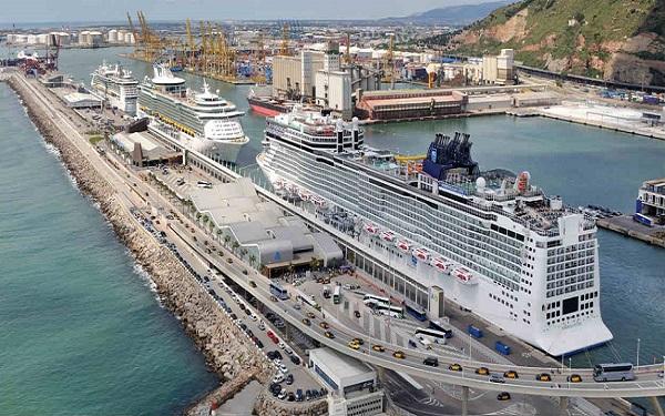 Puerto de Barcelona podría instalar a Royal Caribbean en la terminal C