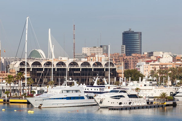 Puerto de Valencia analiza la ubicación de nuevas delegaciones