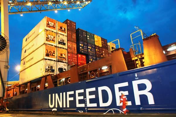 DP World compró la logística danesa Unifeeder