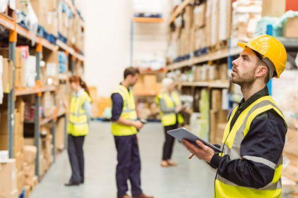 Contrataciones españolas de logística y transporte aumentan en junio