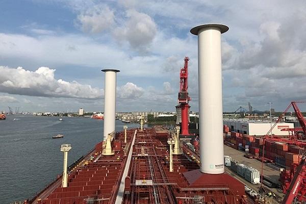 Maersk Tankers realiza ensayos con un sistema de propulsión eólica para buques