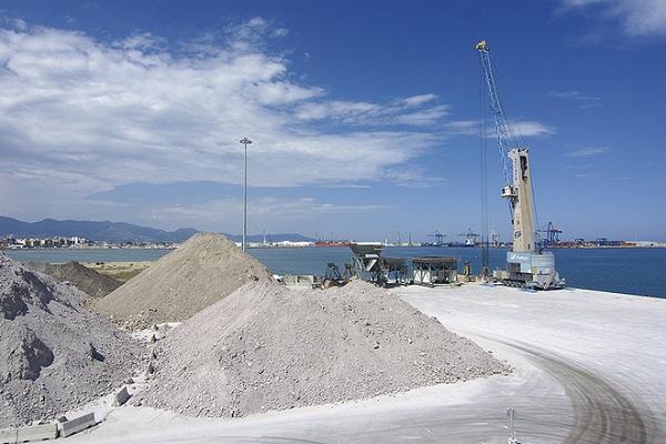 Puerto de Castellón agrandará almacenamiento de graneles sólidos de la dársena sur