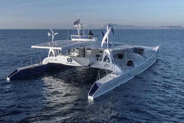 Puerto de Valencia recibe el primer buque propulsado por hidrógeno del mundo
