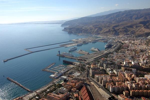 Puerto de Almería se posiciona entre enclaves que más crecen en España