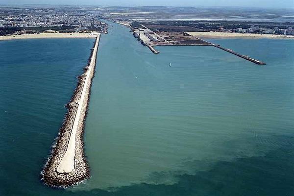 Puerto de Cádiz realizará estudio geofísico marino del canal de entrada