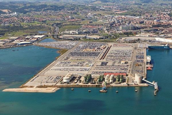 Puerto de Santander recibe propuesta para nuevo centro logístico de vehículo terminado