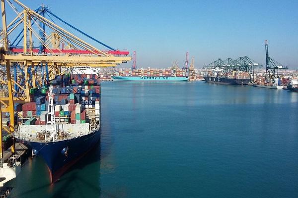 Puertos españoles buscan formas de mejorar los servicios portuarios