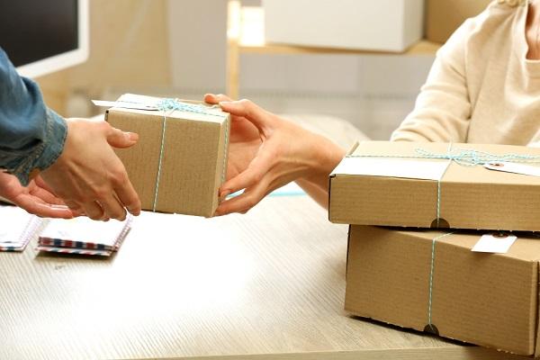 Compañías de paquetería presienten una ralentización de envíos en Black Friday