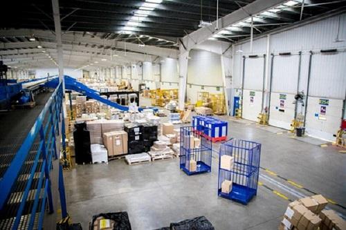 Dachser trabaja en un nuevo sistema de geolocalización de jaulas en almacén