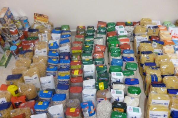 Escania donacion alimentos. Loginews