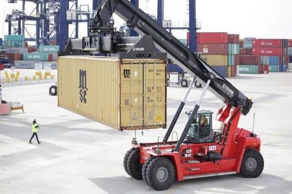 Kalmar entrega su nuevo vehículo reach-stacker a una terminal de MSC