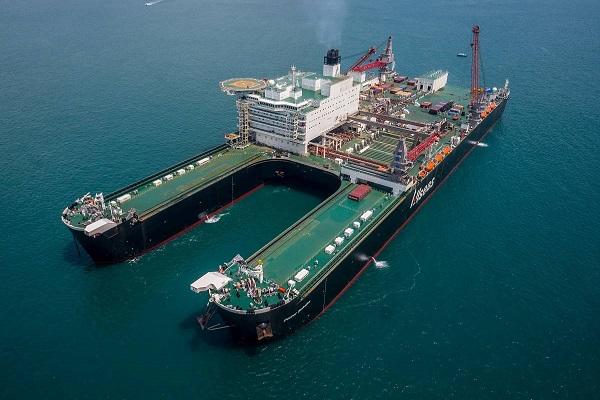 Puerto de Algeciras acoge al buque más grande del mundo