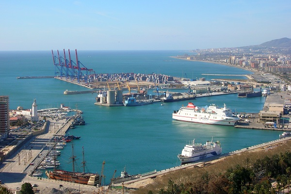 Puerto de Málaga dispondrá de dos silos verticales para graneles líquidos