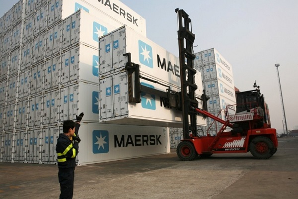 Terminales de contenedores observan la industria de automoción para mejorar en automatización