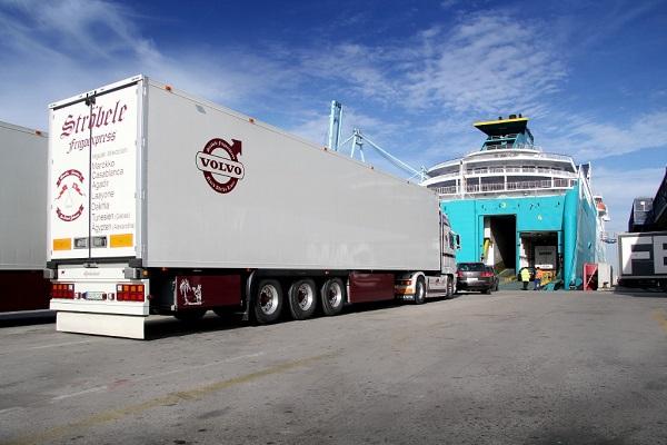 Puerto de Algeciras aumenta un 4% tráfico ro-ro de camiones en noviembre