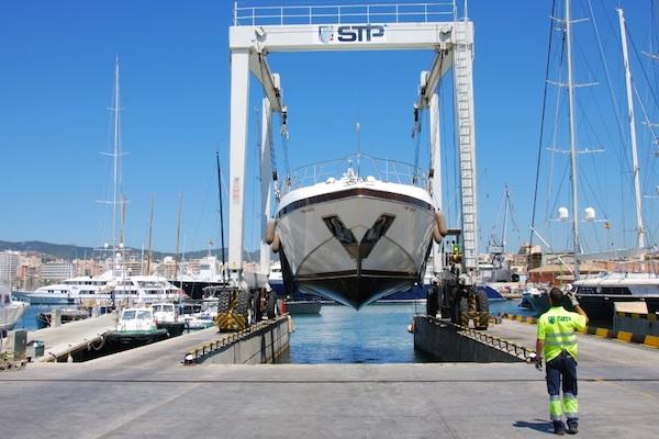 Puerto de Barcelona firma convenio para la formación en mantenimiento de buques