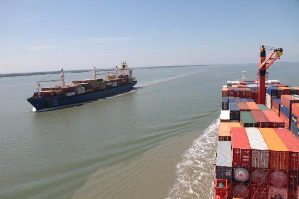 puerto de guayaquil dragado