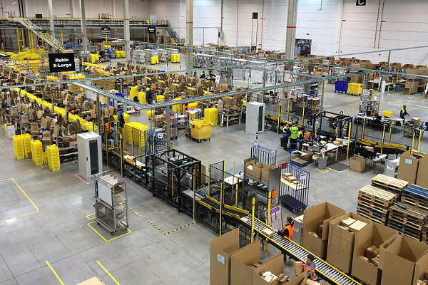 El mayor centro logistico de España Amazon. Loginews