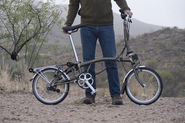 Brompton lanza bicicletas electricas en España