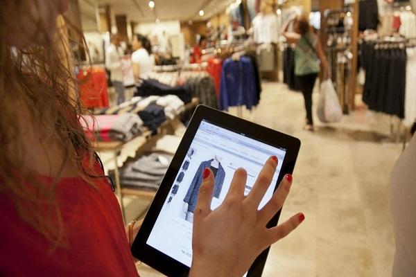 El e-commerce no rechaza las ventajas de las tiendas físicas