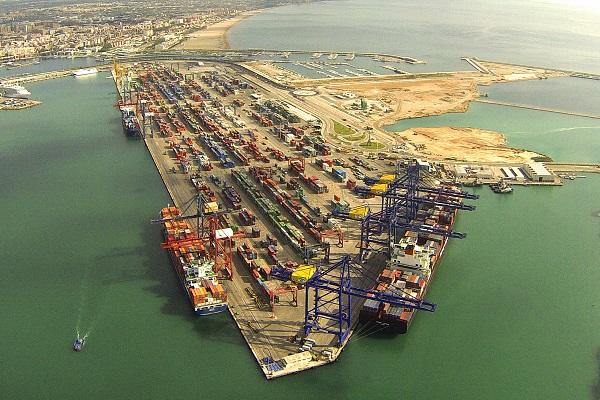 Puerto de Valencia manipula 30% de los contenedores que transitan por España
