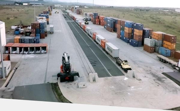 Puertos de Barcelona y Tarragona negocian su entrada en terminal de Monzón