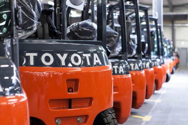Toyota lanza sus carretillas inteligentes en España