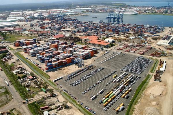 complejo portuario de colon panama