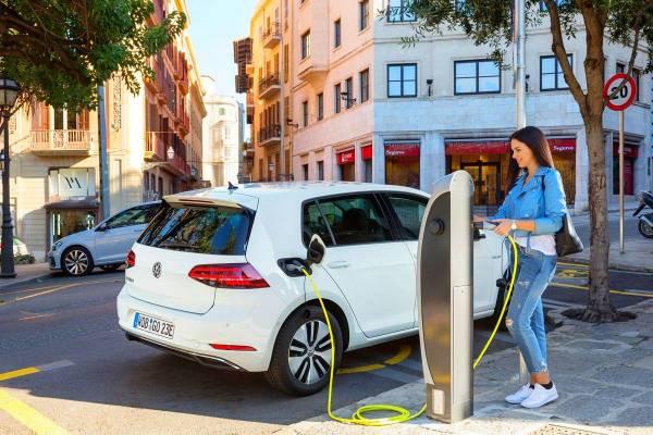 España puntos de recarga vehículos eléctricos