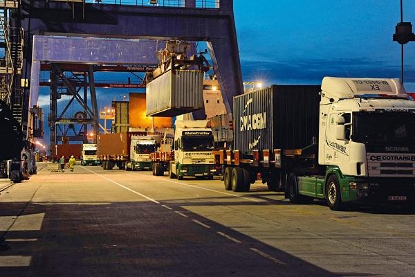 Puerto de Cartagena acondicionará los pavimentos para mejorar el tráfico de camiones