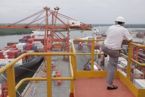 Actividad en el Puerto de Guayaquil