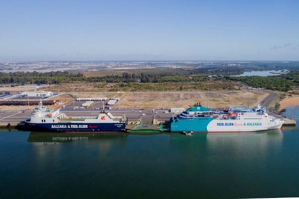 Autoridad Portuaria de Huelva estudiará cómo mejorar su posicionamiento competitivo