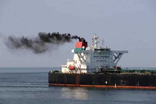 Francia quiere recortar la velocidad de los buques para disminuir emisiones contaminantes