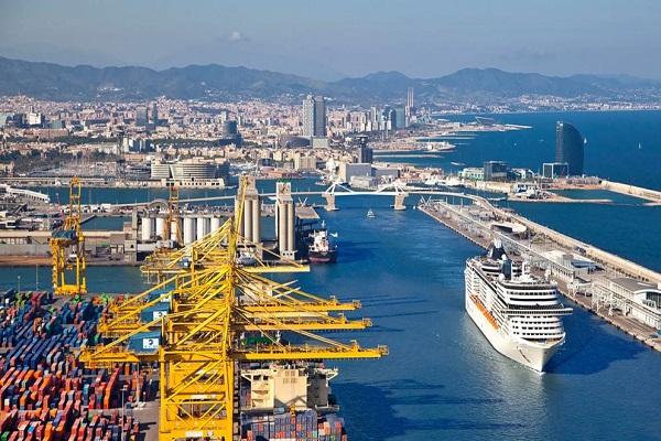 Puerto de Barcelona realizará su primer abastecimiento de GNL al crucero Carnival