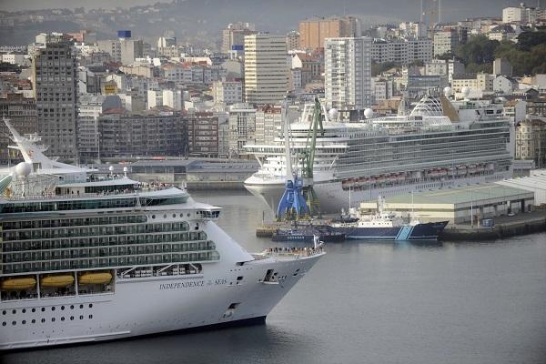 Puerto de La Coruña recibe triple escala de cruceros con 9.000 pasajeros