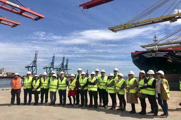 Puerto de Valencia podría dar servicio al tejido empresarial de Navarra