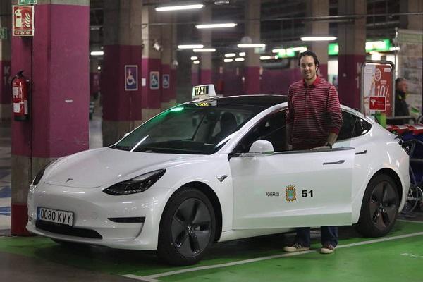 Tesla Model 3 taxi España