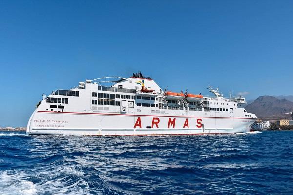 Trasmediterránea incluirá un ferry en su ruta Barcelona-Mahón a partir de junio