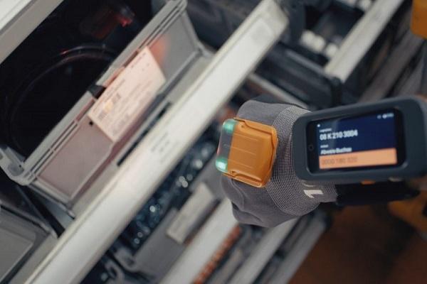 Proglove diseña nuevo guante inteligente para actividades de almacén