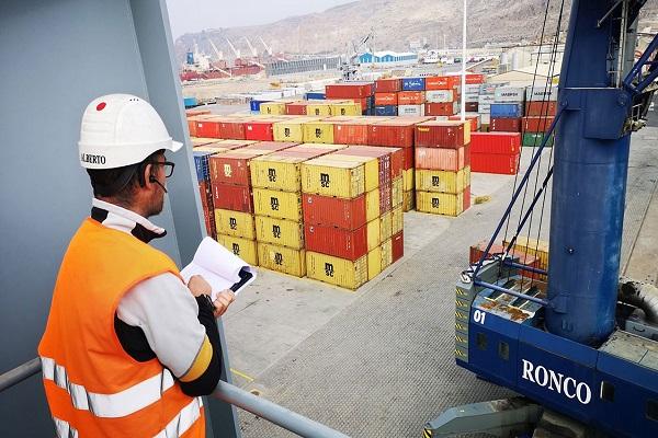 Puerto de Almería aumenta por seis tránsito de contenedores en primer trimestre