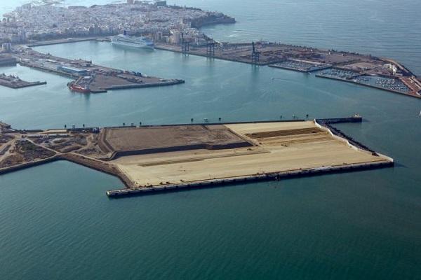 Puerto de Cádiz progresa en su nueva terminal de contenedores