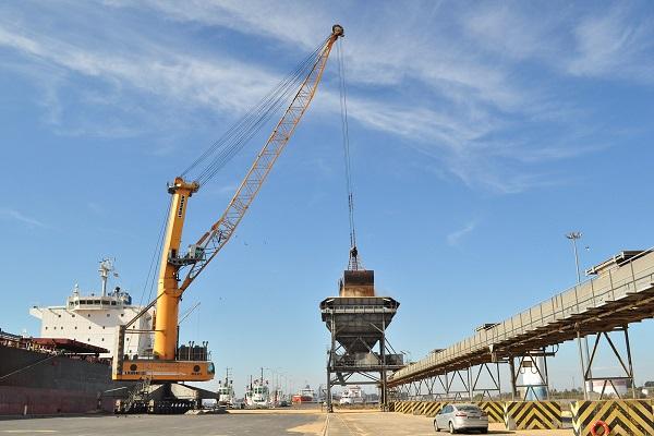 Puerto de Huelva agrandará su superficie para el tráfico de graneles sólidos