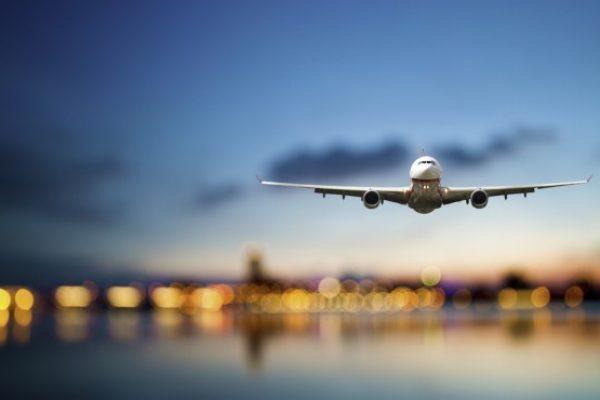 Avión vuelos cortos tren