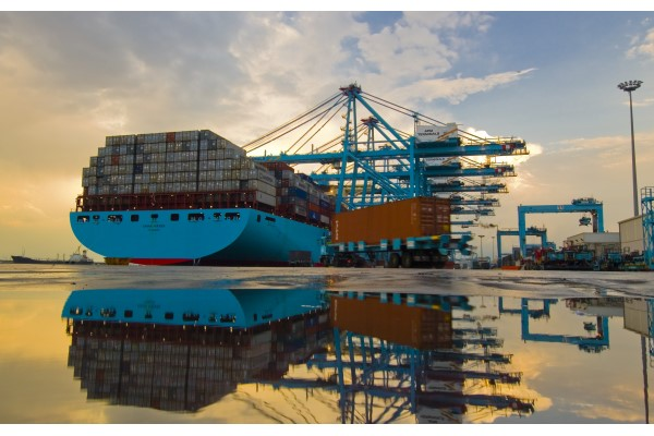Puerto de Algeciras manipula más de 10 millones de toneladas en mayo