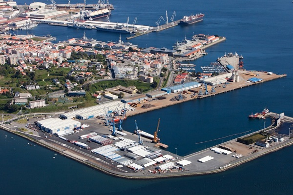 Puerto de Ferrol licita la renovación de la cubierta de una nave