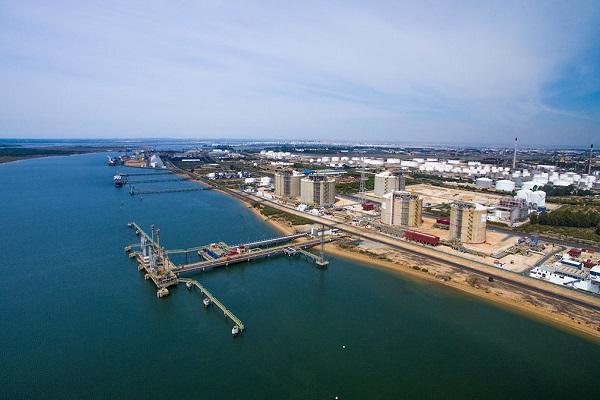 Puerto de Huelva y Enagás proyectan la construcción de almacenes frigoríficos
