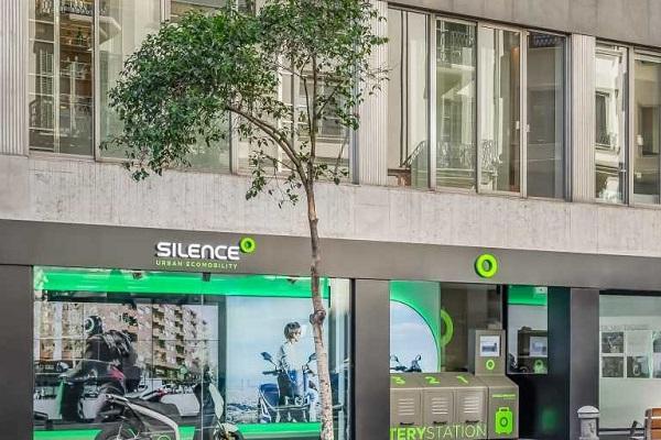 Silence Barcelona intercambiador de baterías motos eléctricas
